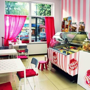 "Ice cream shop ""Malinowa"""